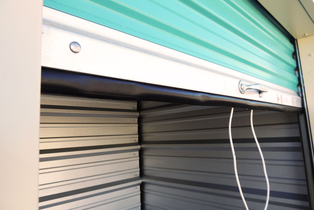 The Difference Between Roil Coil Amp Overhead Sectional Doors